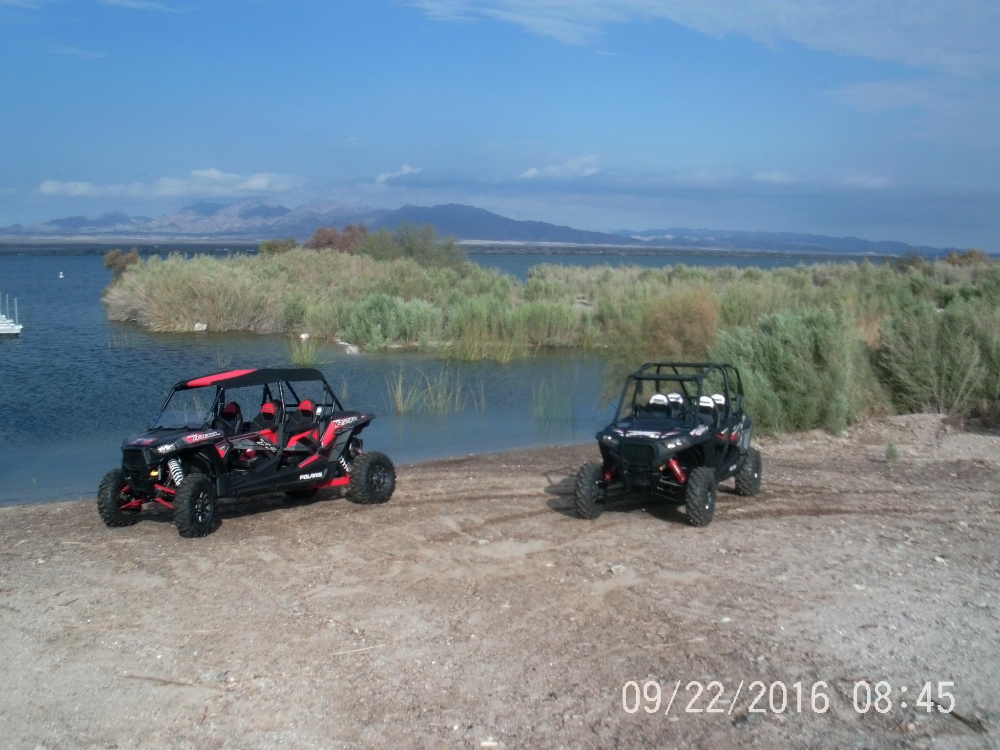 side by side RZR4 900